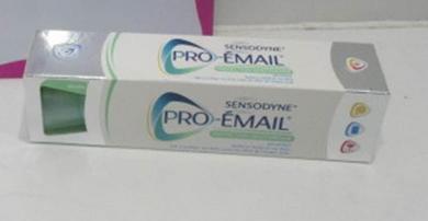 Lichidare stoc pasta de dinti - Sensodyne